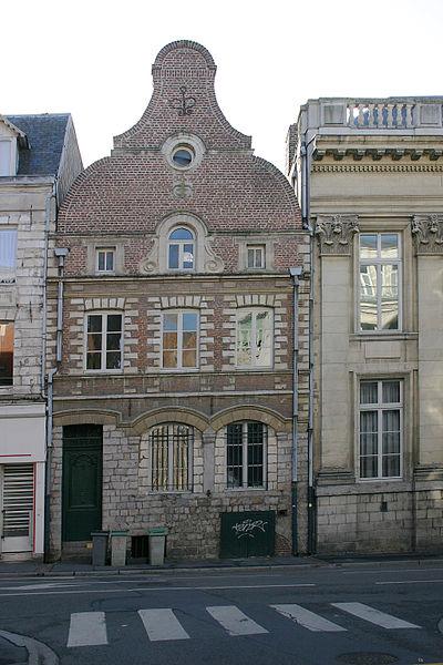 Photo du Monument Historique Maison à pignon jouxtant le Palais de Justice situé à Arras