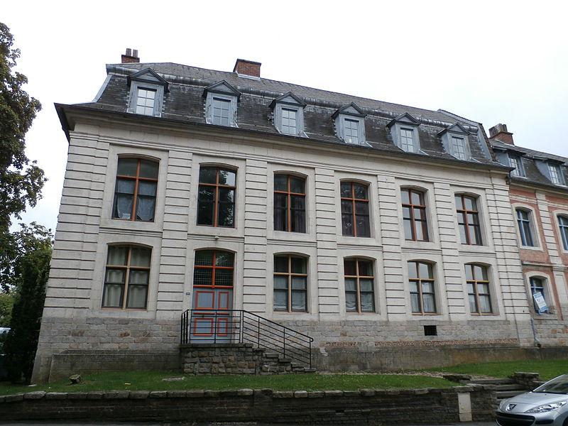 Photo du Monument Historique Ancienne caserne Chambors situé à Béthune