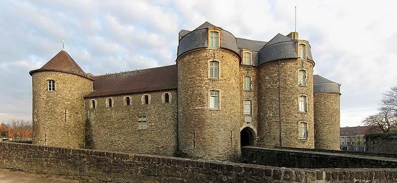 Photo du Monument Historique Château d'Aumont situé à Boulogne-sur-Mer