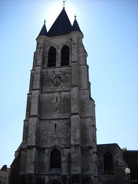 Photo du Monument Historique Eglise situé à Courrières