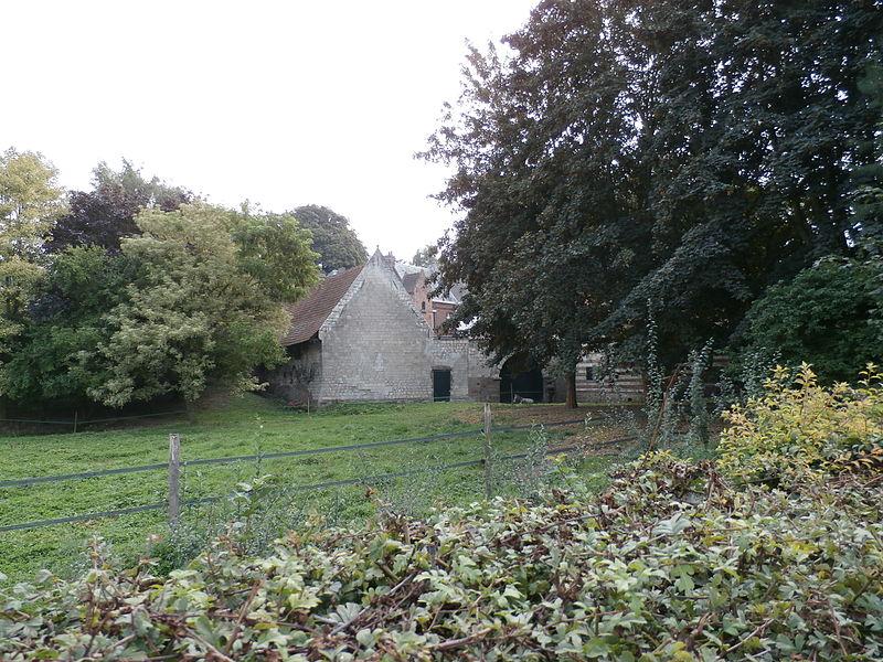 Photo du Monument Historique Ancienne ferme et château situé à Fouquières-lès-Béthune