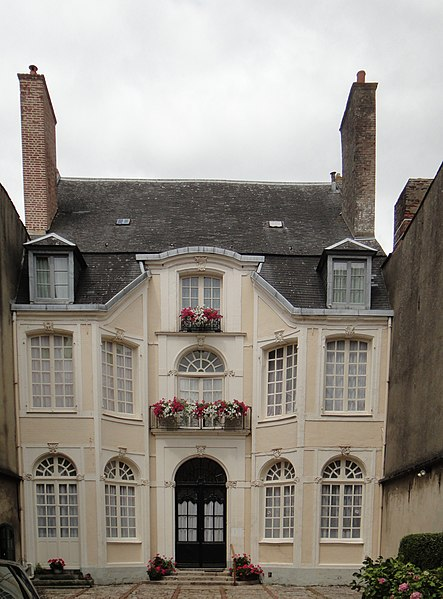 Photo du Monument Historique Hôtel de Songeat situé à Hesdin