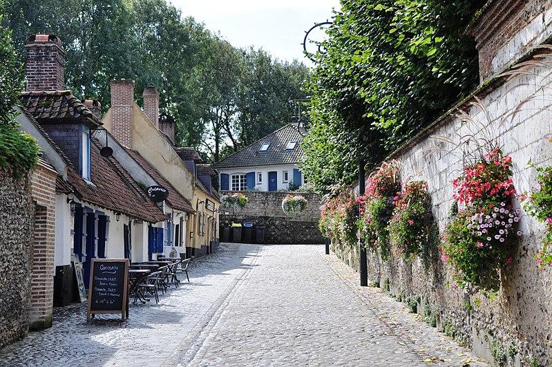 Photo du Monument Historique Maisons adossées aux anciens remparts situé à Montreuil