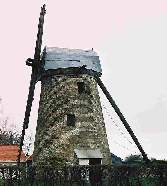 Photo du Monument Historique Moulin à vent situé à Offekerque