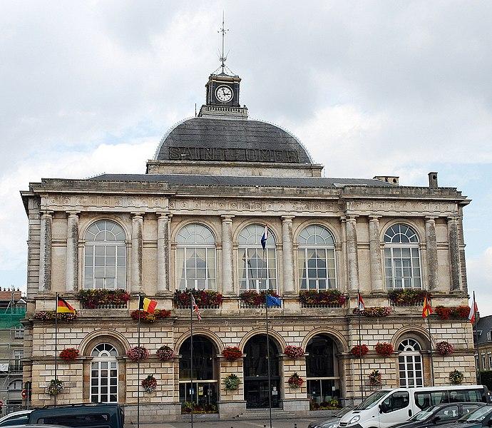 Photo du Monument Historique Hôtel de ville - Théâtre situé à Saint-Omer