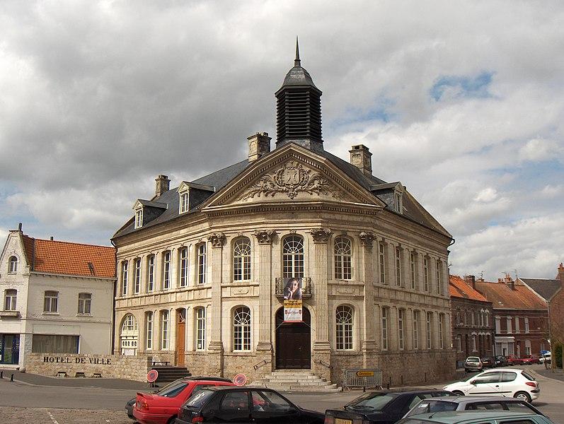 Photo du Monument Historique Hôtel de ville situé à Saint-Venant