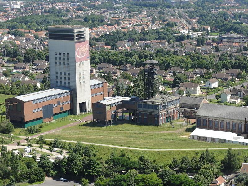 Photo du Monument Historique Ancien site minier de la fosse 11-19 de la Compagnie des Mines de Lens situé à Loos-en-Gohelle