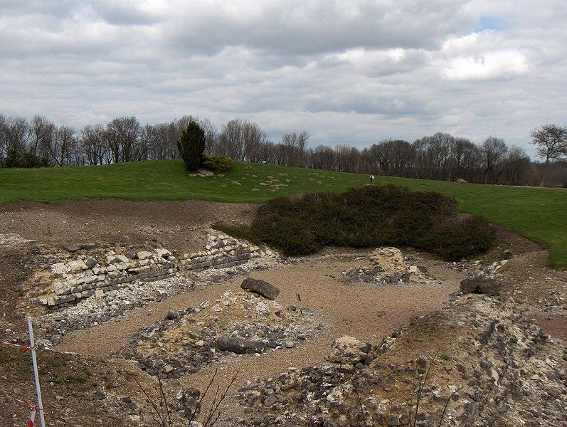 Photo du Monument Historique Groupe épiscopal situé à Thérouanne