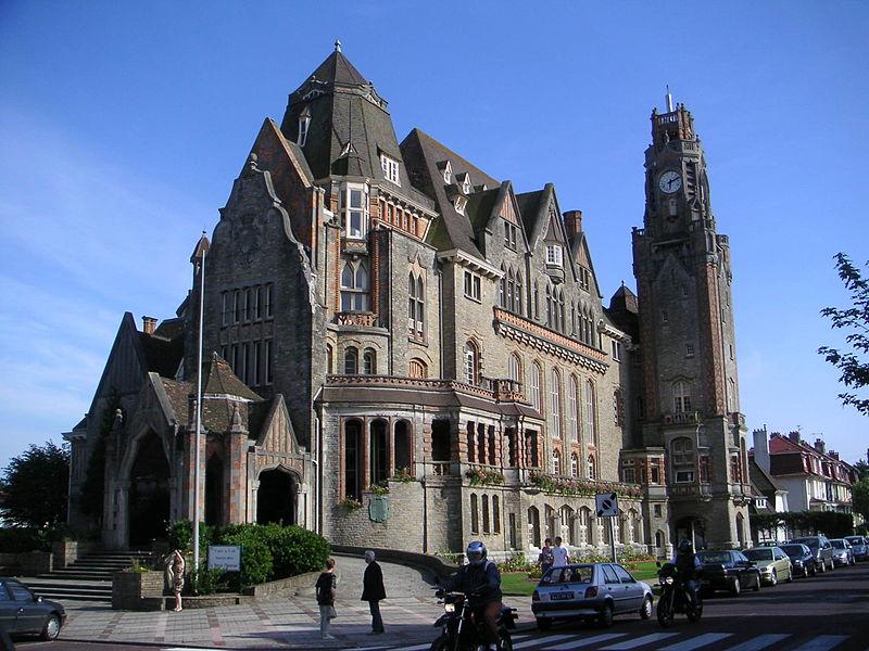 Photo du Monument Historique Hôtel de ville situé à Le Touquet-Paris-Plage