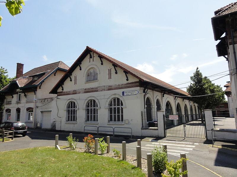 Photo du Monument Historique Ancien logement des Soeurs de la cité n° 12 de la compagnie des mines de Lens dite Saint-Edouard situé à Lens