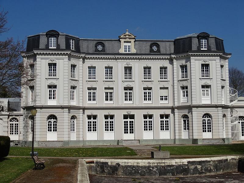 Photo du Monument Historique Hôtel de ville, ancien château Mercier et habitation du directeur de la compagnie des mines de Béthune situé à Mazingarbe
