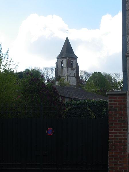 Photo du Monument Historique Château et église Saint-Lambert situé à Warlus