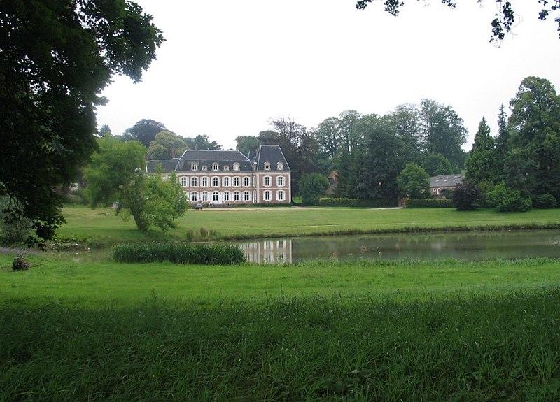 Photo du Monument Historique Château de Verchin situé à Verchin