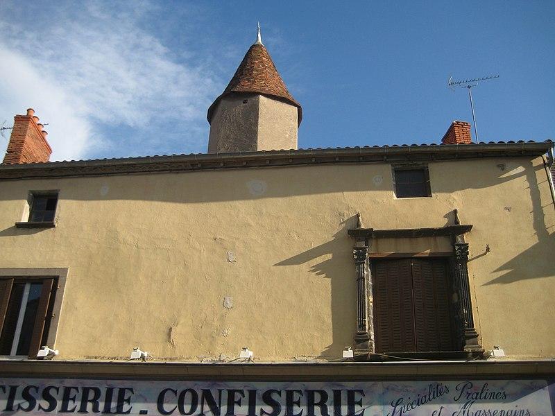 Photo du Monument Historique Ancien hôtel de Marillac situé à Aigueperse