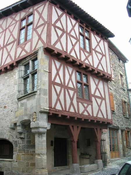 Photo du Monument Historique Maison ancienne dite Maison du Boucher situé à Billom