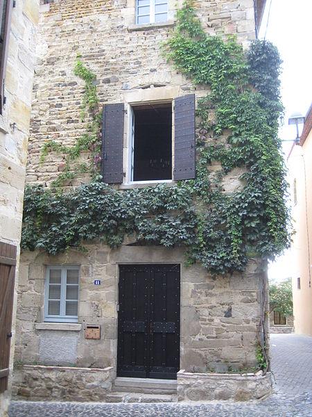 Photo du Monument Historique Maison du 14e siècle situé à Billom