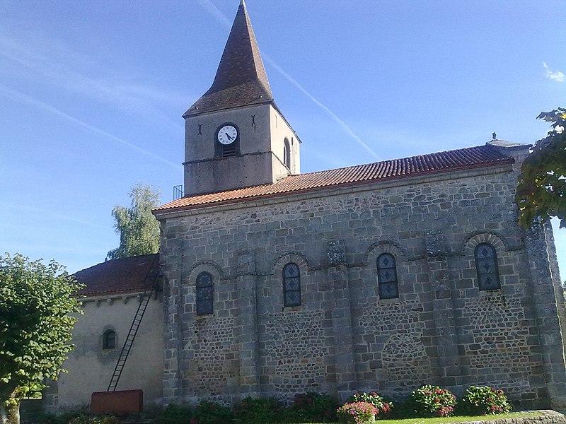 Photo du Monument Historique Eglise Saint-Pierre situé à Biollet