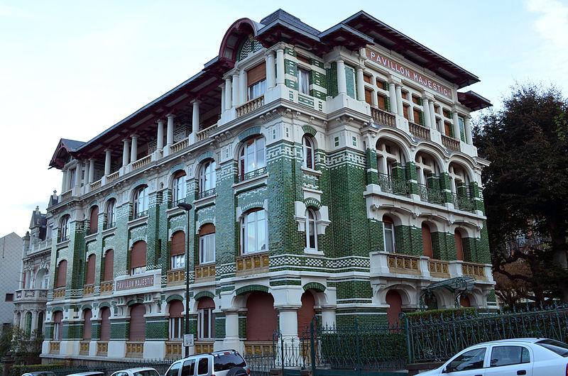 Photo du Monument Historique Hôtel Majestic situé à Chamalières