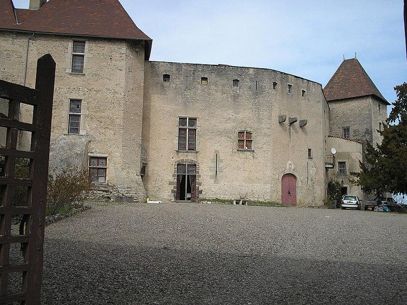 Photo du Monument Historique Château de la Roche situé à Chaptuzat