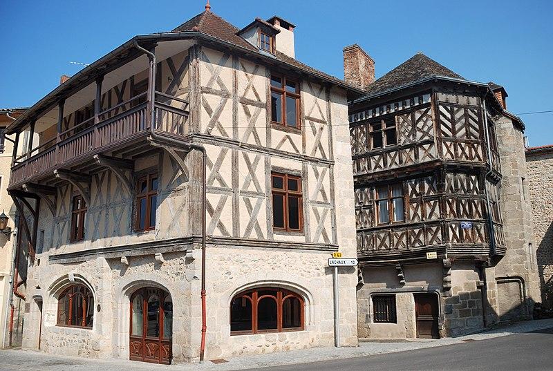Photo du Monument Historique Maison situé à Châteldon