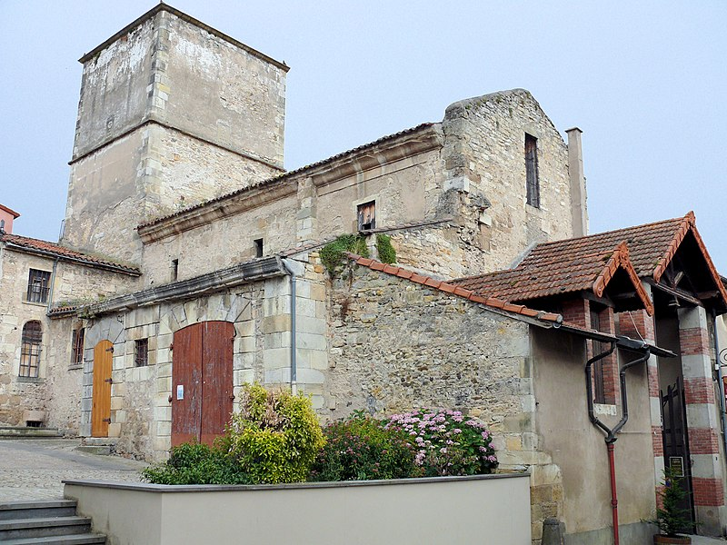 Photo du Monument Historique Ancienne église Sainte-Marie situé à Chauriat