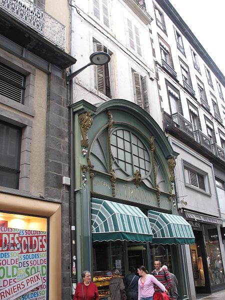 Photo du Monument Historique Boutique A Trianon (pâtisserie) situé à Clermont-Ferrand
