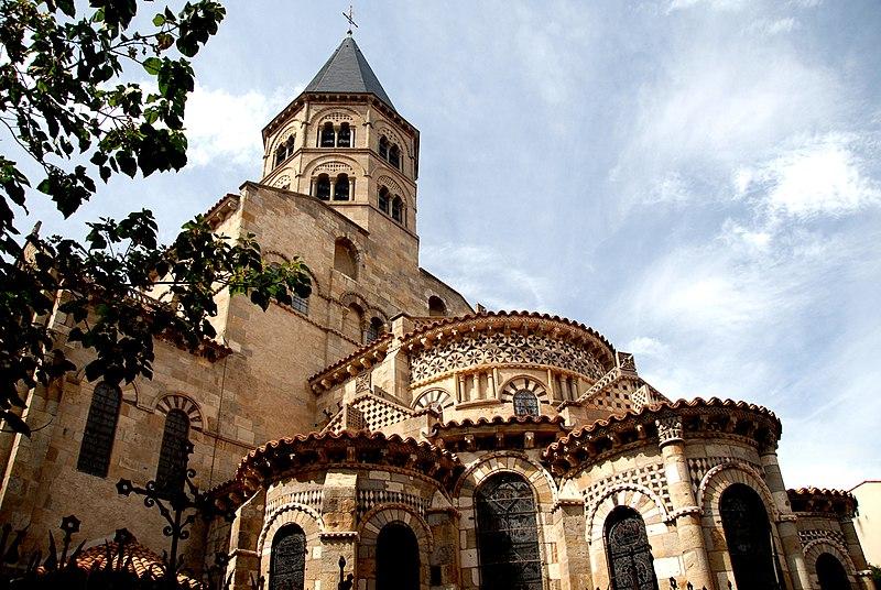 Photo du Monument Historique Eglise Notre-Dame-du-Port situé à Clermont-Ferrand