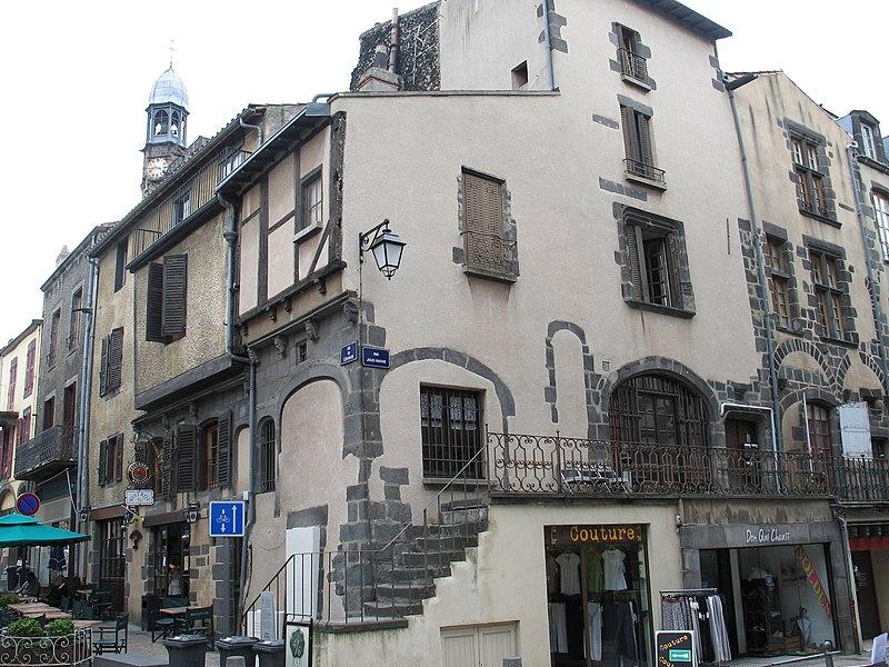Photo du Monument Historique Maison, à Montferrand situé à Clermont-Ferrand
