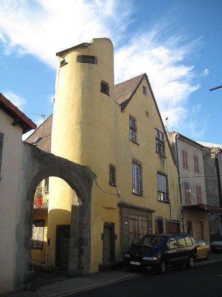 Photo du Monument Historique Immeuble situé à Combronde