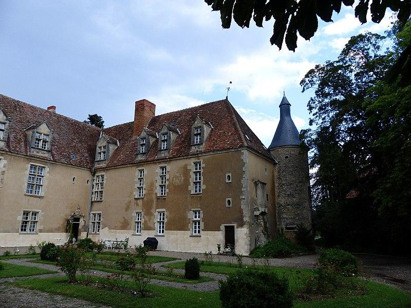 Photo du Monument Historique Château de Denone situé à Effiat