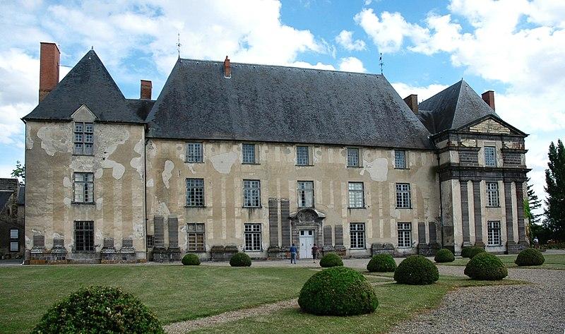 Photo du Monument Historique Château d'Effiat situé à Effiat