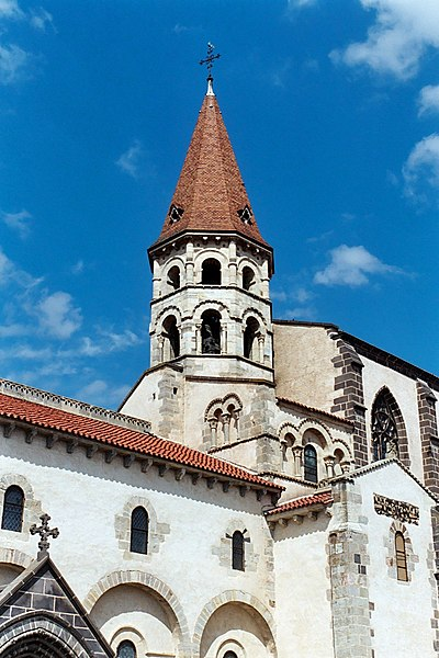 Photo du Monument Historique Eglise Saint-Victor-et-Sainte-Couronne situé à Ennezat
