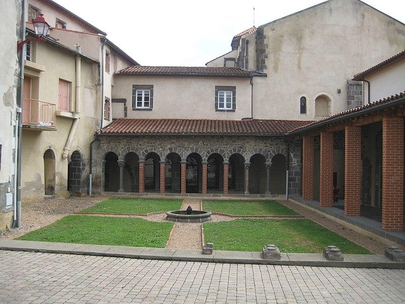 Photo du Monument Historique Monastère des Bénédictines situé à Marsat