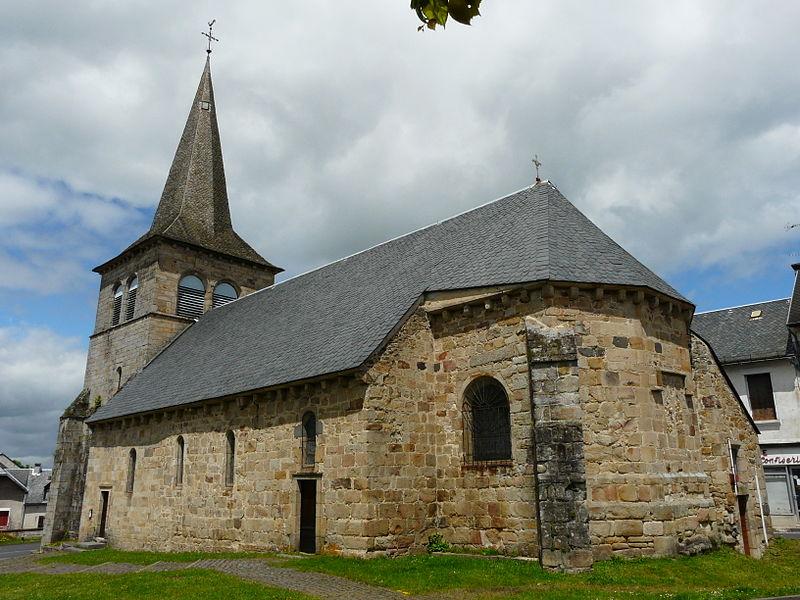 Photo du Monument Historique Eglise Saint-Pierre situé à Messeix