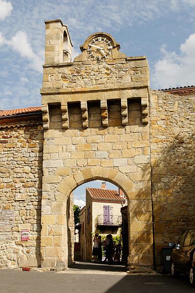 Photo du Monument Historique Porte fortifiée situé à Montpeyroux
