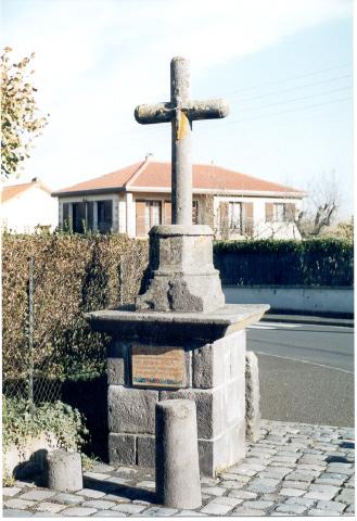 Photo du Monument Historique Borne de justice situé à Mozac