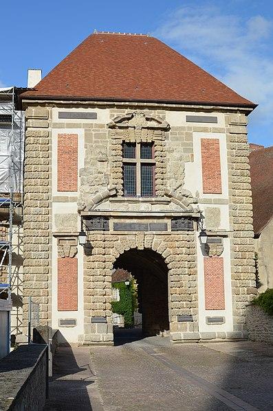 Photo du Monument Historique Château situé à Pionsat