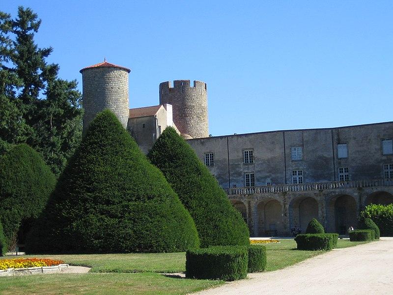 Photo du Monument Historique Château situé à Ravel