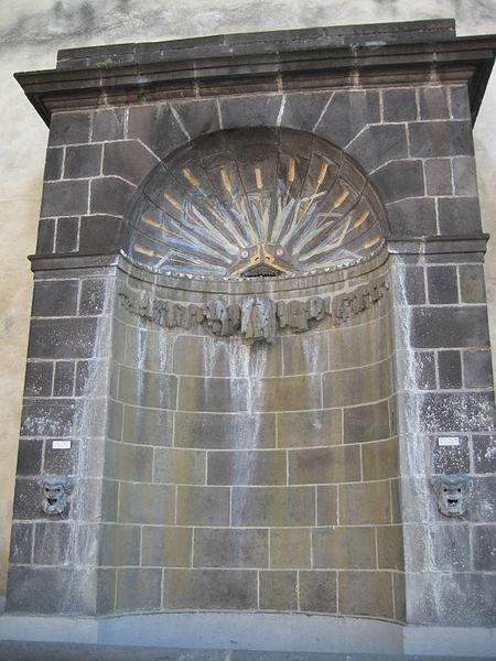 Photo du Monument Historique Fontaine du Crapaud situé à Riom