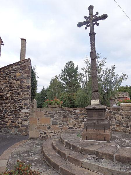 Photo du Monument Historique Croix situé à Saint-Cirgues-sur-Couze