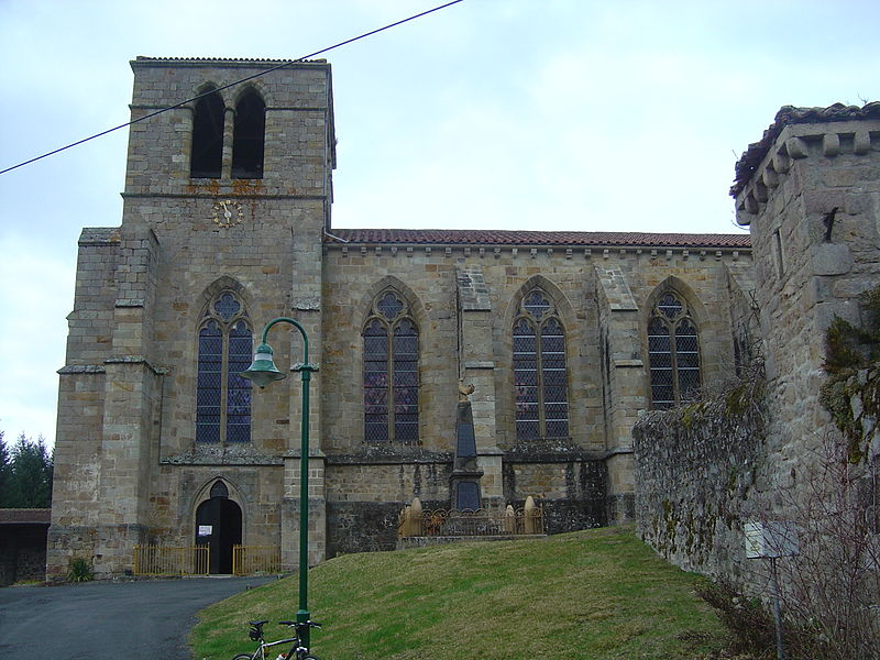 Photo du Monument Historique Eglise Saint-Loup situé à Sauviat