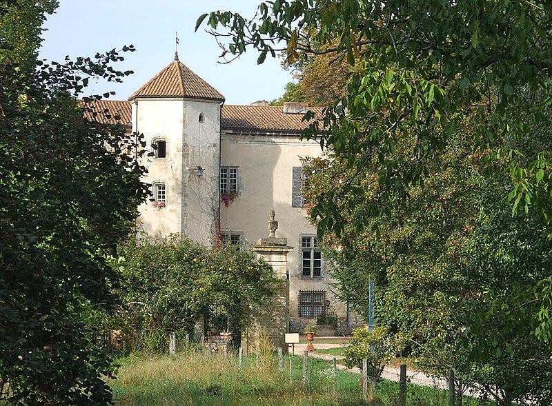 Photo du Monument Historique Château de la Chassaigne situé à Thiers
