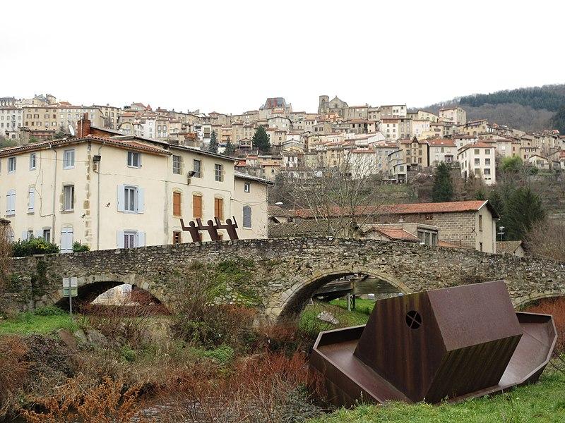 Photo du Monument Historique Pont de Moutier ou du Navire situé à Thiers