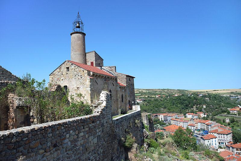 Photo du Monument Historique Château fort et église Saint-Jean du Marchidial situé à Champeix