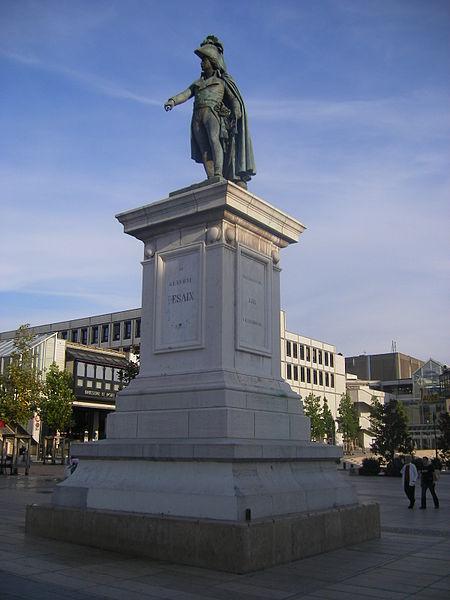 Photo du Monument Historique Statue de Desaix avec son socle situé à Clermont-Ferrand