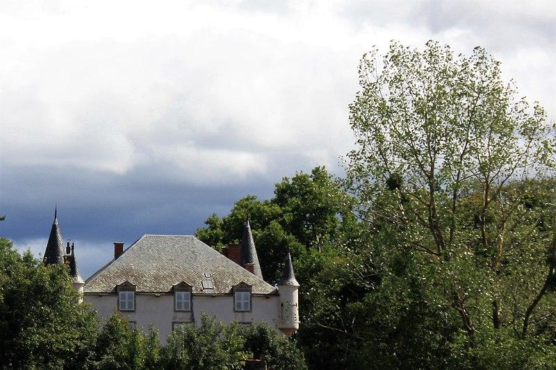 Photo du Monument Historique Château de Lavaur situé à Le Broc