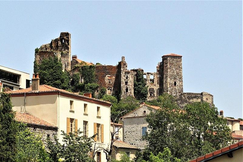 Photo du Monument Historique Château fort du Broc situé à Le Broc