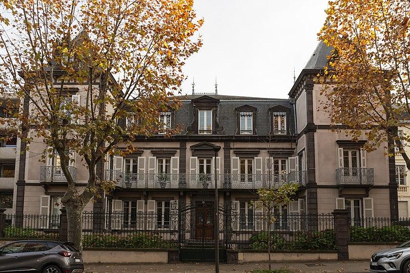 Photo du Monument Historique Maison Pezon situé à Chamalières