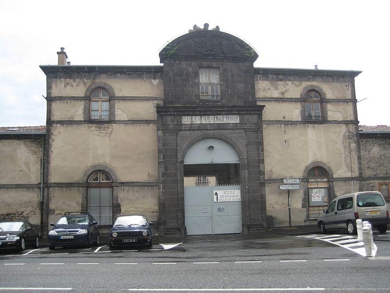 Photo du Monument Historique Caserne Vercingétorix situé à Riom