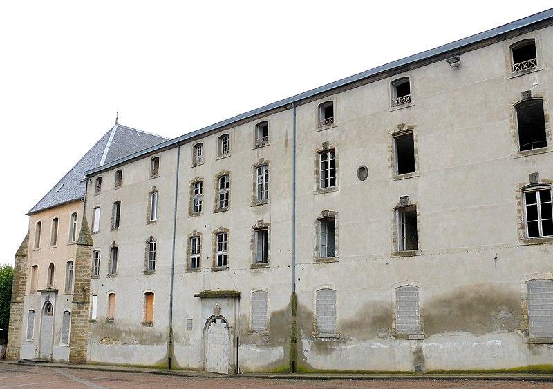 Photo du Monument Historique Collège des Jésuites situé à Billom